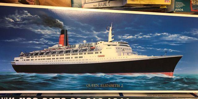 My Hobby (日本制) 1:450 Scale 超大比例 QUEEN ELIZABETH 2 上世紀的英國🇬🇧超豪華郵輪 (巳絕版)曾多次訪港