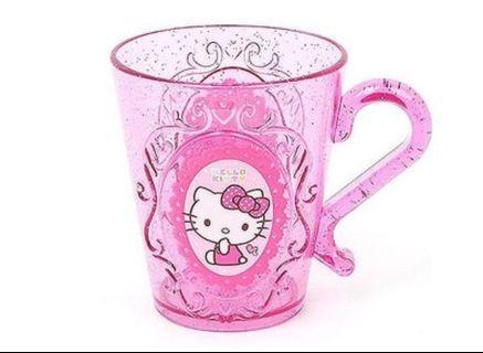 Hello kitty 飲水杯