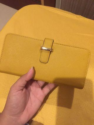 Preloved Yellow Wallet