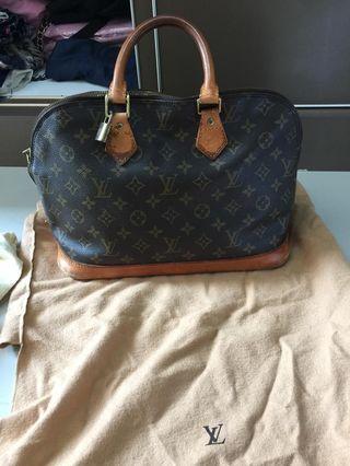 Tas Louis Vuitton Alma