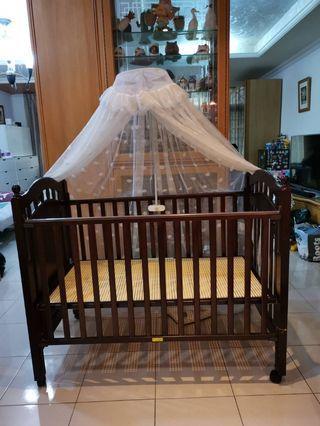 專櫃進口嬰兒床,原價近3萬,送蚊帳。
