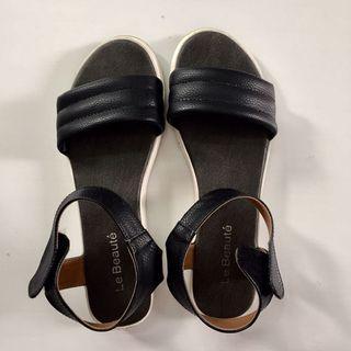 Sepatu Sandal Local Brand