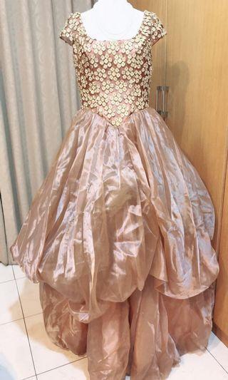 🚚 婚紗晚宴服共5套,可拆買,每件600