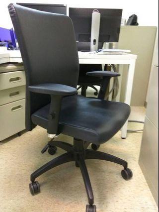 [Ericaca 愛挖寶] 辦公好夥伴~黑色辦公椅~特價700元💕
