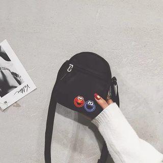 sesame street embroidered sling bag 🌸