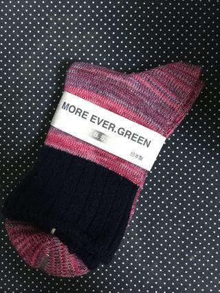 🚚 全新日本帶回 粉色系漸層混織短筒襪