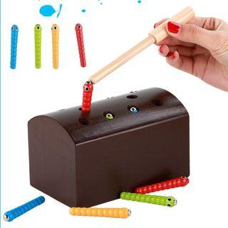 (Ready Stock)SN069 - Wooden Montessori Magnetic Worms Catching Board Game - Motor Skill Educational Toy