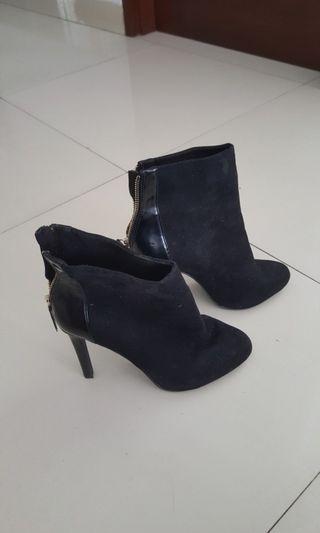 Stradivarius Black Suede Angkle Boots