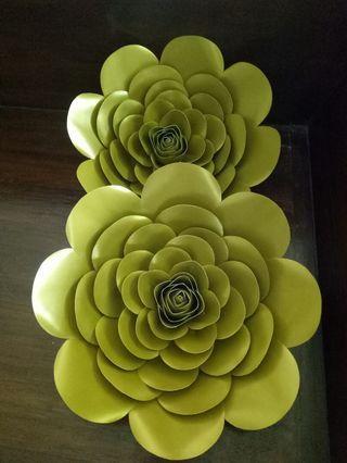 Paper flower mettalic gold