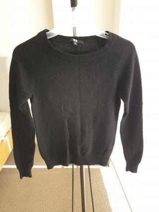 Uniqlo jumper black