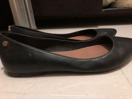 ALDO flat shoes