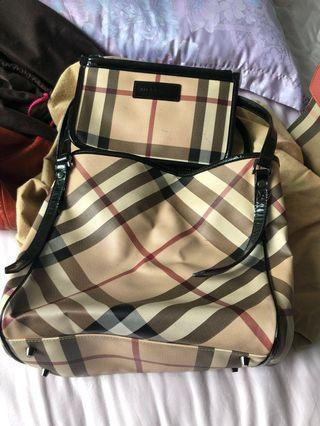 d1ac038be920 Burberry Tote bag come with clutch