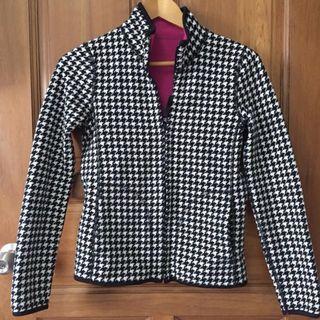 🚚 Uniqlo reversible fleece jacket with pockets