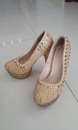 NINE WEST diamond heels