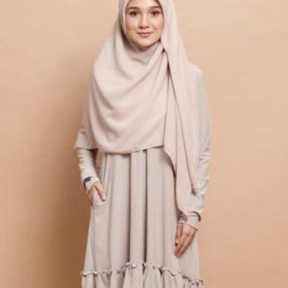 Preloved Uswah Naia Ruffle(beide) blouse - M
