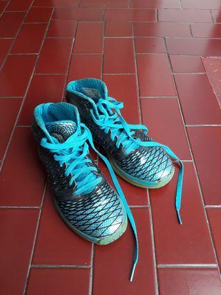 Adidas basketball shoes - sepatu basket