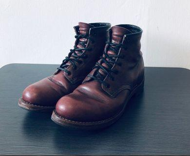 Red Wing 9011. Size US7