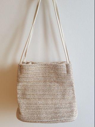 🚚 Straw Tote Bag