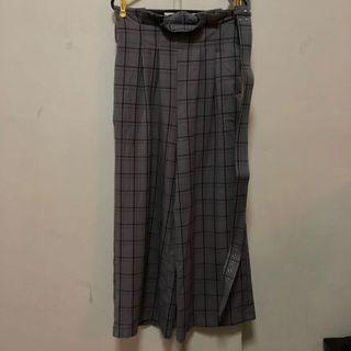 - CHECKERED WIDE PANTS WITH BELT -