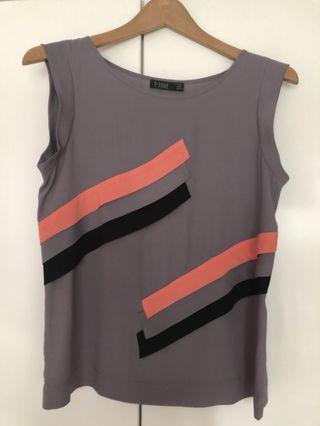 🚚 Grey sleeveless blouse with interesting design