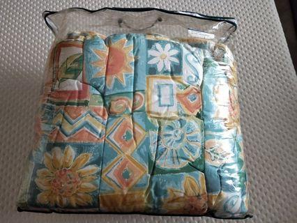 Queen sized comforter