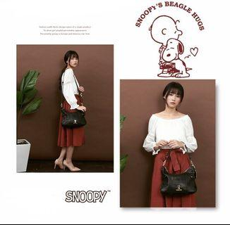 台灣Snoopy手袋💕 啡色/黑色 兩色選擇 附送一個鎖匙扣