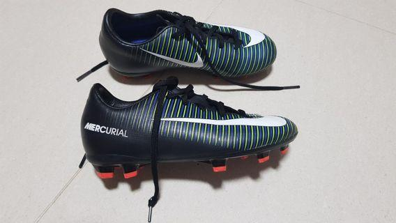 🚚 Soccer Boots Nike Mercurial for Kids