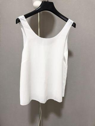 H&M Sleeveless Flowy White Top