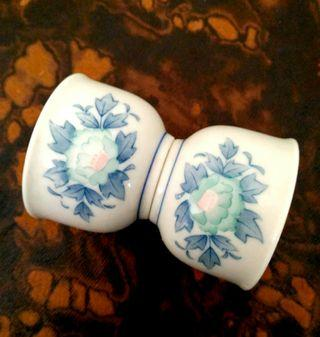 2 Mini Sweet flower Kungfu cups