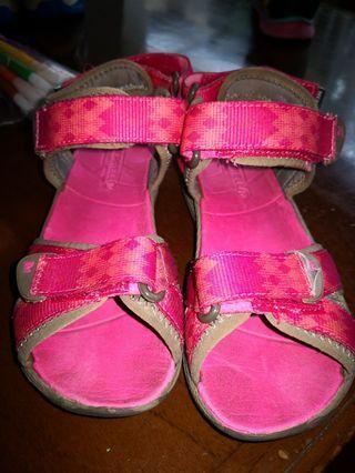 Sepatu sendal anak Merrell