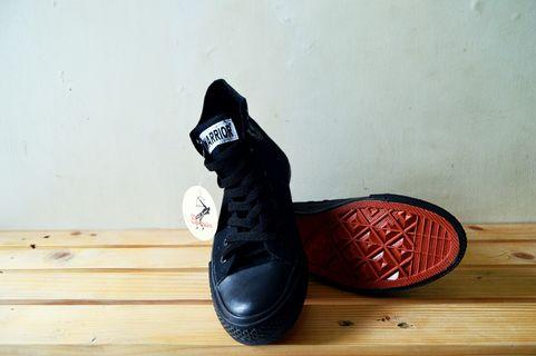 #mauthr Sepatu Warrior - Spata HC All Black