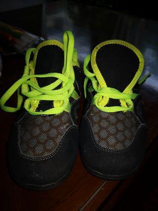 Sepatu anak Aixaggio