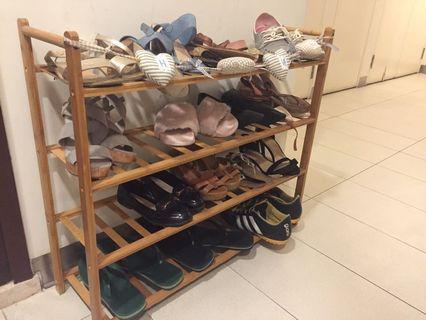 Wooden 4 shelf show rack