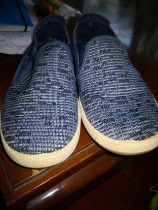 Sepatu anak laki Kickers