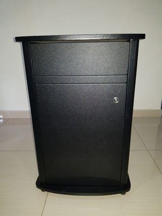 WTS Fish Tank Cabinet (item in cabinet not included) condition 9.5/10