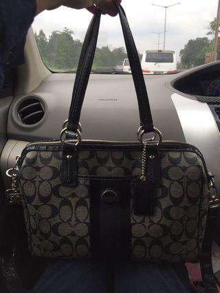 Coach Authentic Preloved