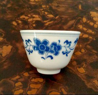 Blue flower kungfu tea cup