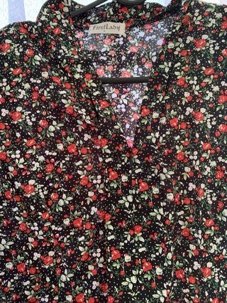 🚚 Old design Kebaya Floral Set