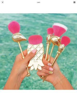 Tarte brush set let's flamingo (4 brushes of 5)