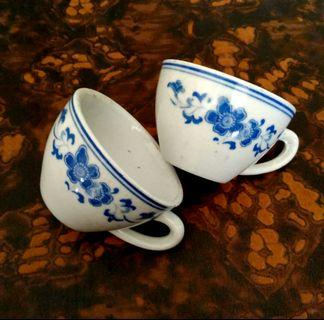 (Each) Blue flower tea cup