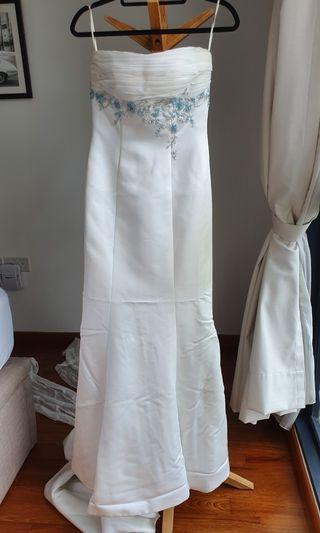 Amanda Lee Wedding Gown