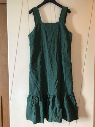 🚚 綠色棉麻洋裝