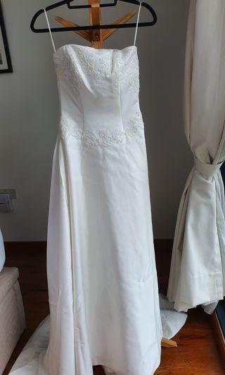 Elegant and Classy Wedding Dress