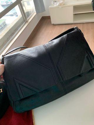 MCM black handbag 黑色手袋 100%真real 90%新new