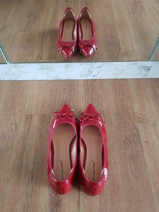 (NEW! Half price!!) Wine Red Ribbon Flats with padding - ultra comfy!