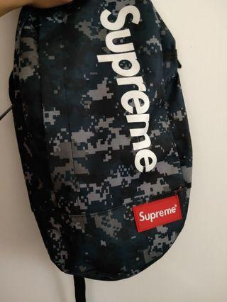 Supreme 斜背包包