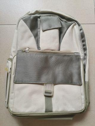 🚚 Canvas Backpack
