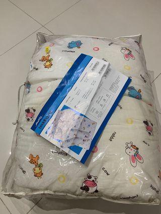 🚚 Bedding set (free nursing pillow)