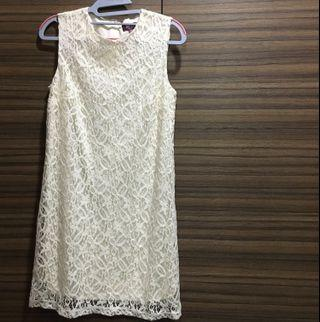 🚚 In City Simple White Lace Dress
