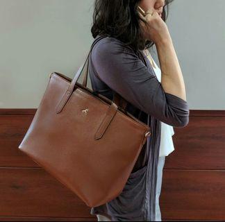 Povilo Tote - Sling Bag